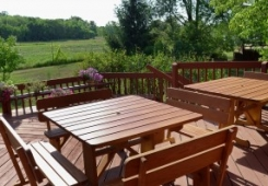 outdoor-seating